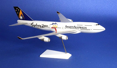 BOEING B747-400 (Executive Desk Model-Olympic)